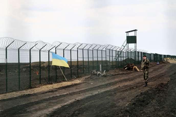 Dans l'est de l'Ukraine, près de la frontière avec la Russie, le18avril2015.