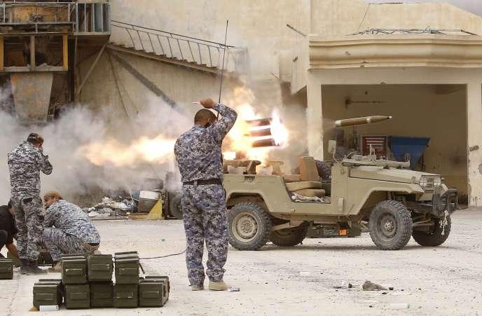 Les forces armées irakiennes appuyée par la police, des unités du contre-terrorisme et plusieurs milices chiites alliées livrent une de leurs plus dures batailles.