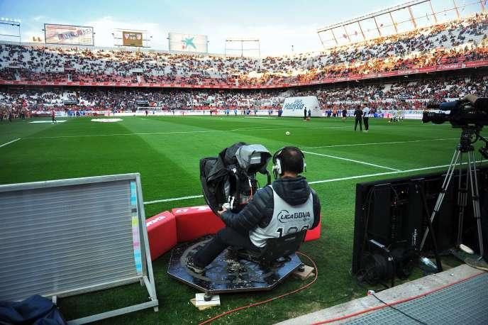 Un caméraman lors d'un match de Liga espagnole, en 2015.