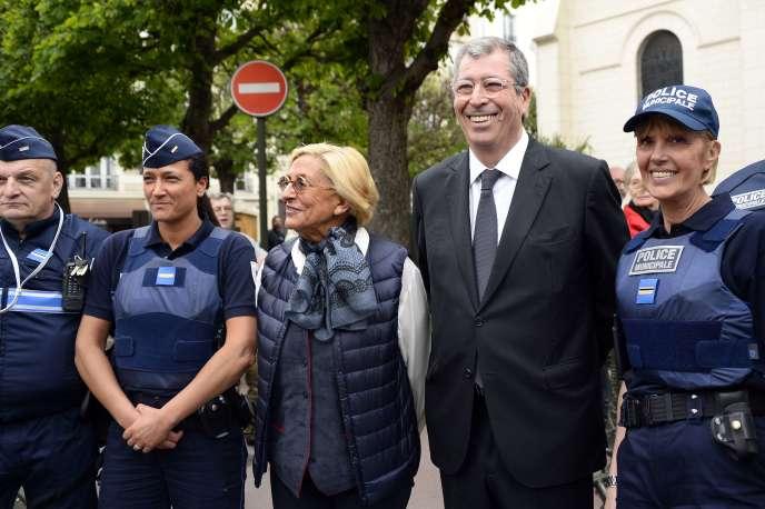 Le PNF chiffre le montant des avoirs de Patrick Balkany et Isabelle sont soupçonnésconcernés par le blanchiment à au moins 13 millions d'euros.
