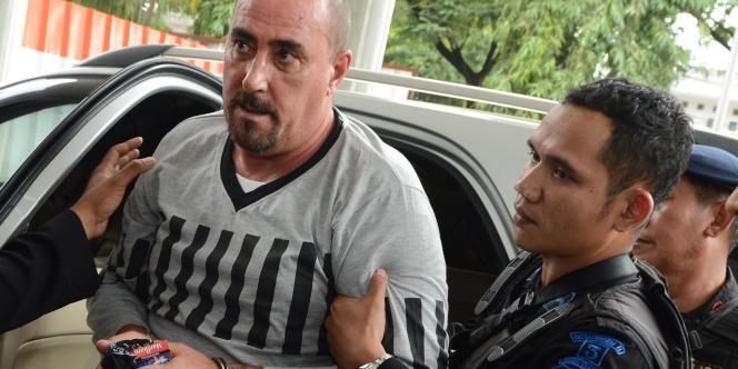 Serge Atlaoui, à son arrivée au tribunal de Tangerang, à Jakarta, le 1eravril.