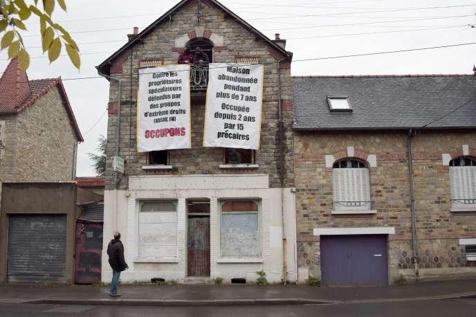 La maison de Maryvonne Thamin le 8 mai, alors qu'elle était encore occupée par des  squatteurs.
