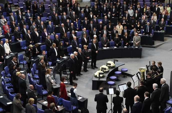 Durant une heure, l'ensemble des parlementaires, exceptionnellement réunis au sein du Bundestag, ont écouté l'un des plus célèbres historiens allemands, Heinrich August Winkler, expliquer la signification de cette journée