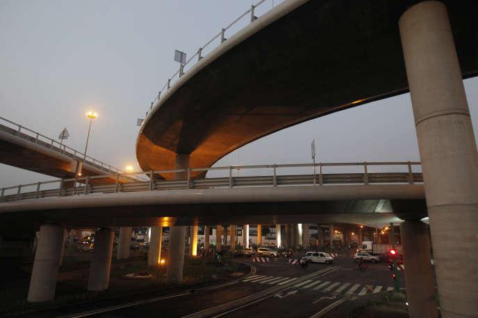 Une vue du pont Henri Konan Bédié, à Abidjan, Côte d'Ivoire, une infrastructure réalisée grâce à un partenariat public-privé.