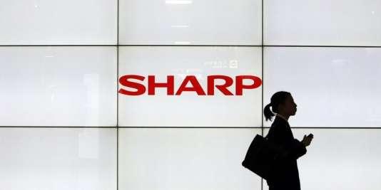 La branche écrans à cristaux liquides de Sharp suscite les convoitises.