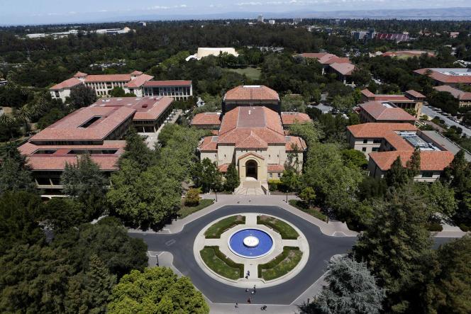 Non loin de Palto Alto, Stanford est l'une des prestigieuses universités convoitées par les lycéens de Palo Alto.