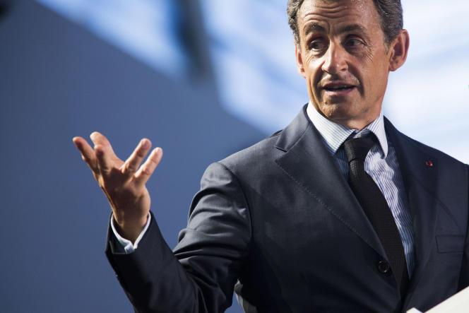 Les Pavillons-sous-Bois, le 11 mai 2015. Réunion publique de Nicolas Sarkozy augymnase Lino-Ventura.