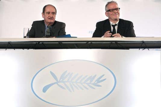 Pierre Lescure,président du Festival de Cannes (à gauche) etThierry Frémaux,délégué général de la manifestation cannoise, lors d'une conférence de presse en avril 2015.