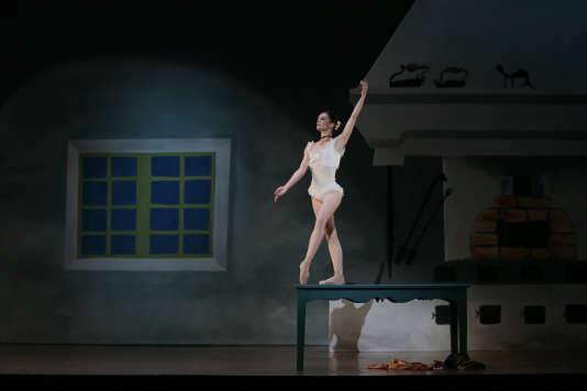 Aurélie Dupont dans le ballet « Mademoiselle Julie », à l'Opéra Garnier, à Paris, en février 2014.