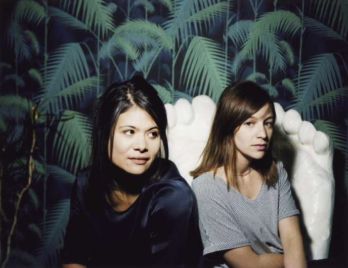 Hélène François et Emilie Vandenameele (à droite), qui forment le duo de mise en scène ACM.