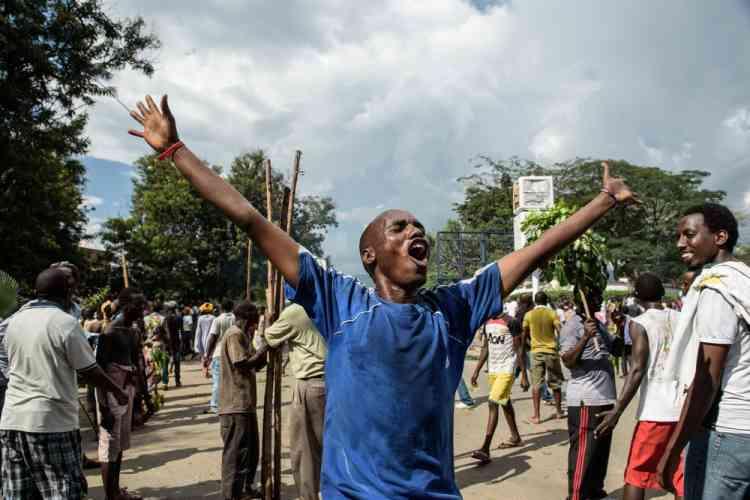 L'annonce d'un coup d'Etat à Bujumbura, la capitale du Burundi, a enthousiasmé les manifestants, qui protestent depuis deux semaines contre la candidature du président, Pierre Nkurunziza, à un troisième mandat.