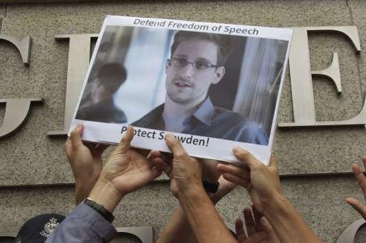 Plusieurs organisations ont appelé, ces dernières semaines, Barack Obama à la clémence envers Edward Snowden.