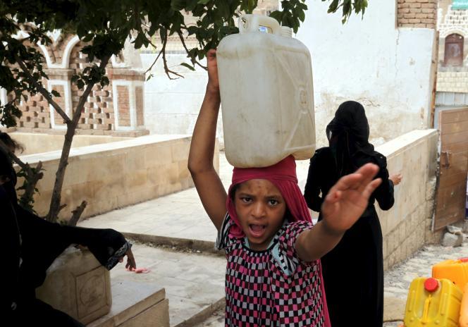 Plus de 14 500 personnes – dont des Yéménites mais aussi des citoyens de pays tiers – ont fui, la majorité en bateau, vers la Corne de l'Afrique.