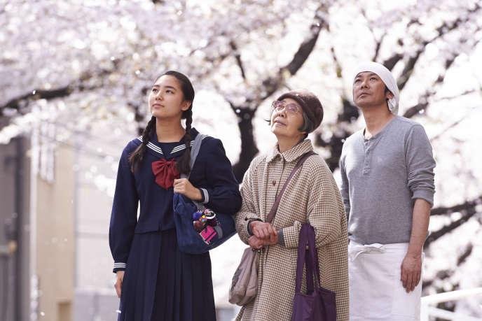 Kyara Uchida, Kirin Kiki et Masatoshi Nagase dans le film japonais de Naomi Kawase