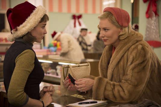 "Rooney Mara et Cate Blanchett dans le film américain de Todd Haynes, ""Carol""."