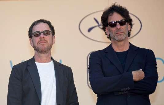 Les présidents du jury du 68e Festival de Cannes, Ethan (à gauche) et Joel Coen, le 17 mai 2015.