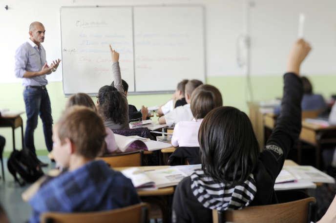 Une salle de classe du collège Tinténiac en Bretagne.