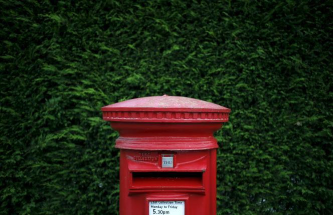 En revendant les dernières parts qu'il possède dans Royal Mail (30%), legouvernement entend réduire la dette publique.