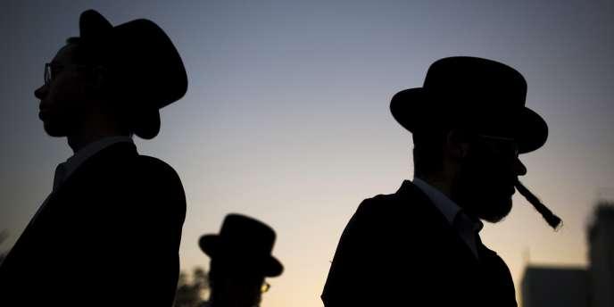 Des juifs ultraorthodoxes à Ashdod, en Israël.