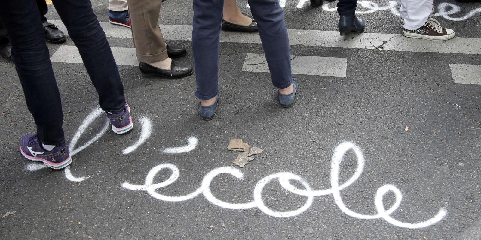 Manifestation de professeurs et de personnels de l'éducation à Paris, en mai 2015.