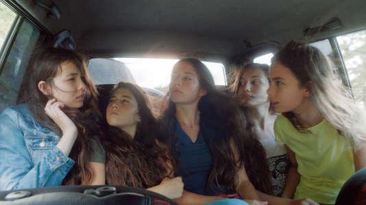 """Les cinq jeunes actrices du film franco-turc de Deniz Gamze Ergüven, """"Mustang""""."""