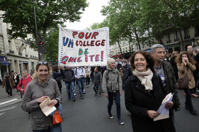 ©Vincent Isore/IP3 pour Le Monde ; Paris, France le 19 Mai 2015 - Manifestation d enseignants en greve contre la reforme du college