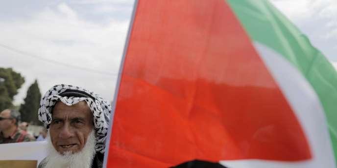 Un Palestinien à Bethléem, en Cisjordanie, le 14 mai 2015.