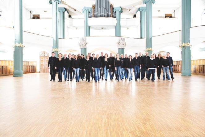 L'Orchestre symphonique de la Radio de Stuttgart.