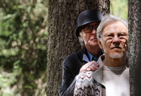 """Michael Caine et Harvey Keitel dans le film italien de Paolo Sorrentino, """"Youth""""."""