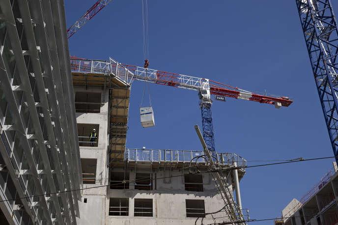 Des logements en construction à Paris, en avril 2014.