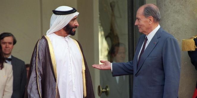 François Mitterrand accueille son homologue de Emirats arabes unis, Cheikh Zayed Ben Sultan Al Nahyan, en septembre 1991, à l'Elysée, à Paris.