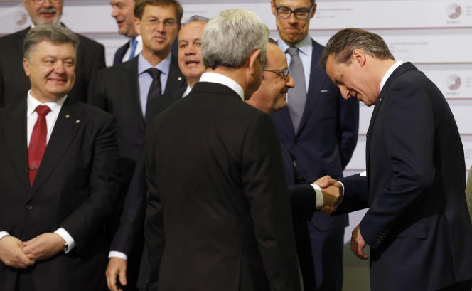 François Hollande et David Cameron, le 22 mai à Riga.