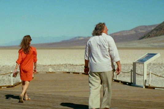 """Isabelle Huppert et Gérard Depardieu dans le film français de Guillaume Nicloux, """"Valley of Love""""."""