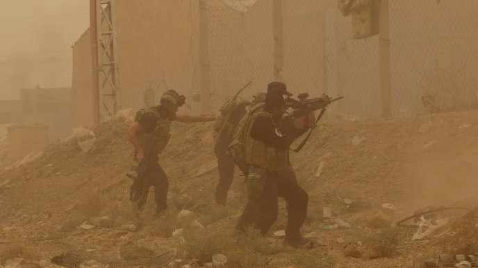 Les forces de sécurité irakiennes, à Ramadi, le 14 mai.