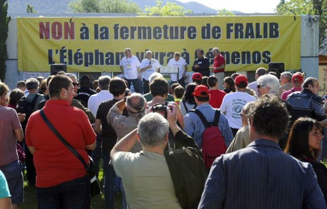 Cinquante-huit ex-salariés de Fralib ont investi dans la SCOP 177 000 euros au total. Vingt d'entre eux sont déjà salariés depuis le11mai. A la fin de juin, ils seront 29.