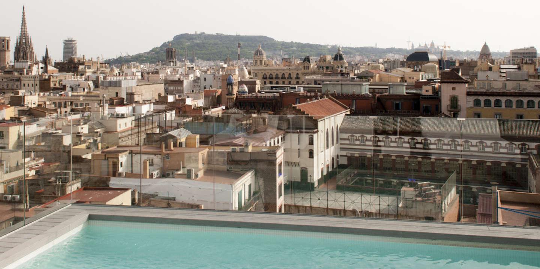 Barcelone, depuis la terrasse du Yurbban Trafalgar Hotel.