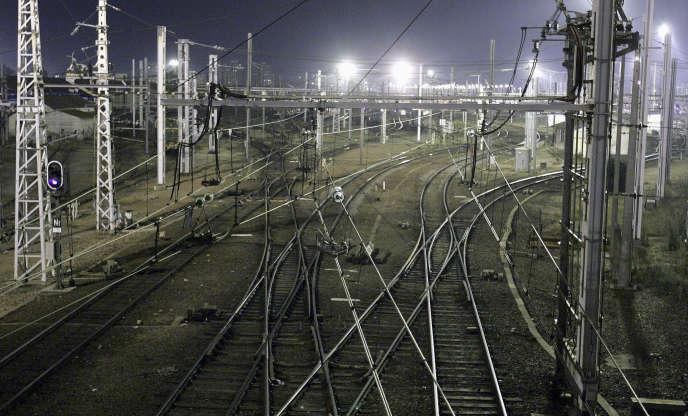 Voies ferrées près de la gare de Bordeaux-Saint-Jean en novembre 2006.