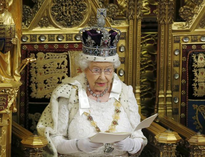 La reine Elizabeth II délivre son traditionnel discours devant le Parlement, mercredi 27 mai.