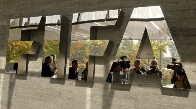 Un coup de filet anticorruption, mercredi 27 mai, a débouché sur l'arrestation de six dignitaires de la FIFA.