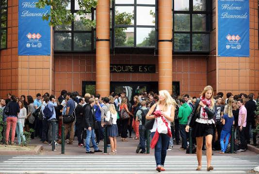 """Toulouse business school est l'une des premières écoles françaises à avoir proposé un """"bachelor""""."""