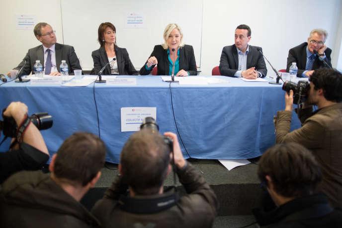 Marine Le Pen lors du lancement de Racine, un collectif d'enseignants soutenant le FN, en 2013.