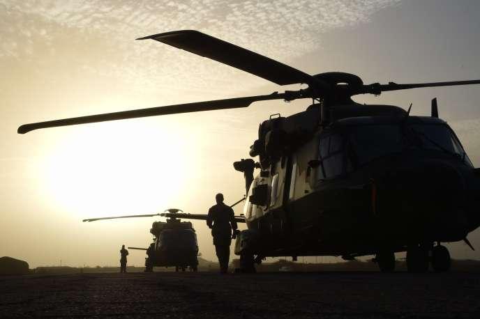 Hélicoptères de l'armée française participant à l'opération «Barkhane», à Goa, en janvier 2015.