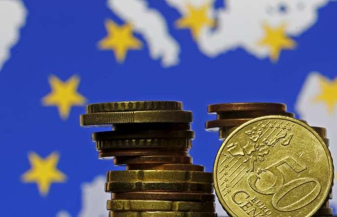 La BCE de Mario Draghi envisage de baisser encore son taux de dépôt, pourtant déjà à – 0,2 %. Cette mesure équivaut à taxer les banques sur les liquidités excédentaires qu'elles laissent dans les coffres de l'institut de Francfort