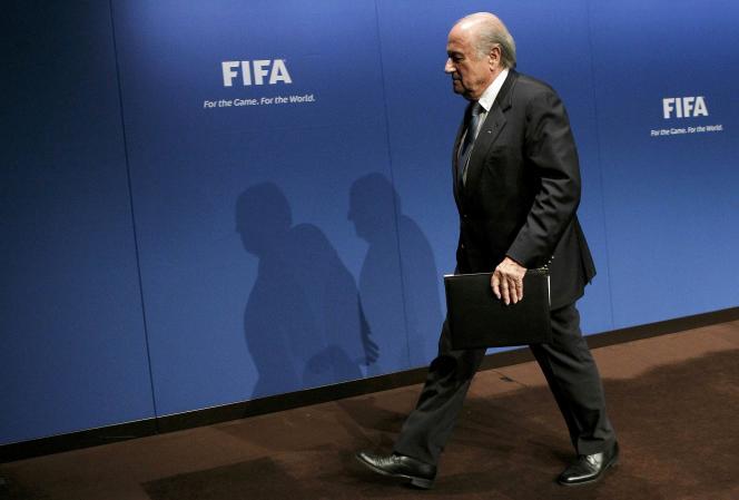 Le président de la FIFA, Sepp Blatter, après une conférence au siège de l'instance mondiale du football, à Zurich, en mai 2011.
