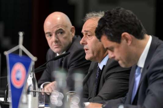 Le secrétaire général de l'UEFA, Gianni Infantino, son président, Michel Platini, et le porte-parole Pedro Pinto, le 28 mai, à Zurich.