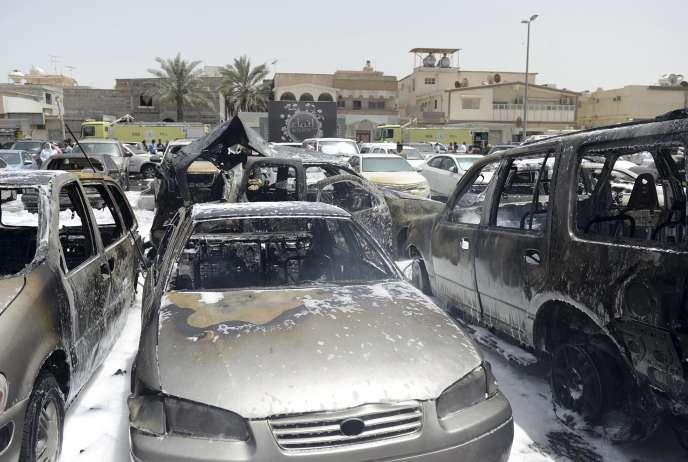 Une voiture garée devant la mosquée chiite de Dammam a explosé durant le prêche du vendredi, le 29 mai.