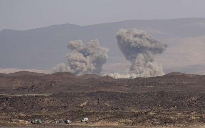 Frappes aériennes de la coalition menée par les Saoudiens sur les chiites Houthis, fin mai, dans la province yéménite de Marib.