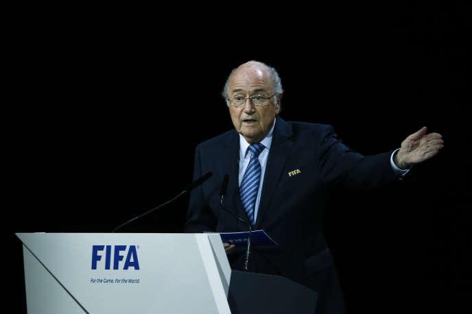 A 79 ans, Joseph Blatter brigue un cinquième mandat de suite à la tête de la FIFA.