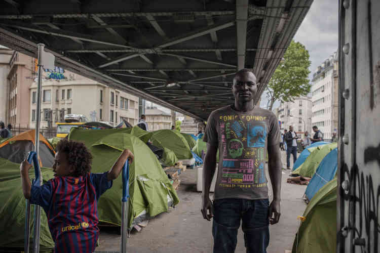 Zaccharie, un Soudanais installé dans le campement depuis six mois.