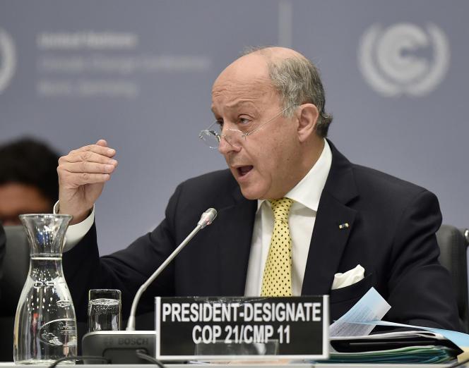 Le ministre des affaires étrangères Laurent Fabius s'est vu confier la responsabilité de la négociation multilatérale et la présidence de la COP21.